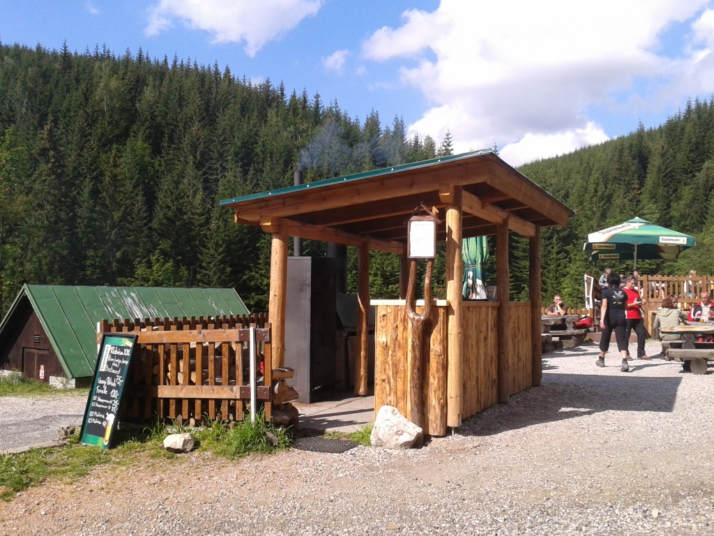 """Rajce.ru 5 The mountain hut """"Bouda Bíle Labe"""" is situated in the mountain area approx. 5 km from the centre of Špindlerův Mlýn at the altitude 1000 m a. s. l. and on ..."""